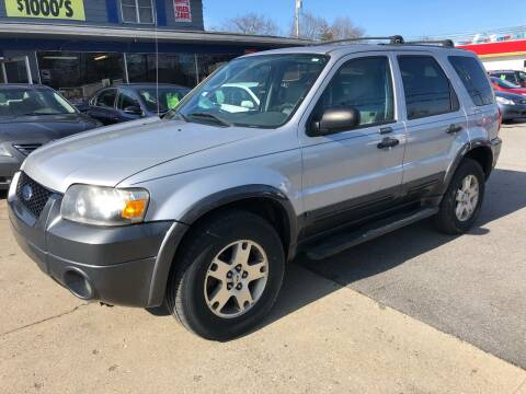 2005 Ford Escape for sale at Wise Investments Auto Sales in Sellersburg IN