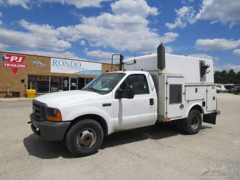 2000 Ford F-350 Super Duty for sale at Rondo Truck & Trailer in Sycamore IL