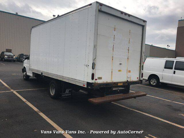 2015 Chevrolet Express Cutaway 3500 2dr 177 in. WB Cutaway Chassis w/1WT - Blauvelt NY