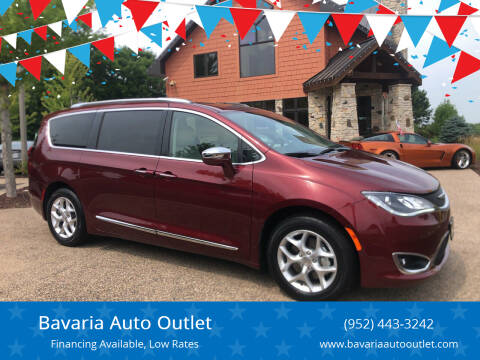 2020 Chrysler Pacifica for sale at Bavaria Auto Outlet in Victoria MN