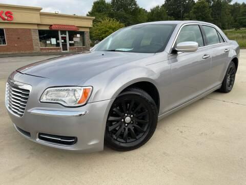 2014 Chrysler 300 for sale at Gwinnett Luxury Motors in Buford GA