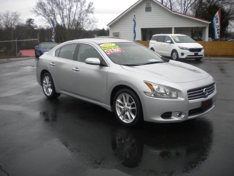 2011 Nissan Maxima for sale at Houser & Son Auto Sales in Blountville TN