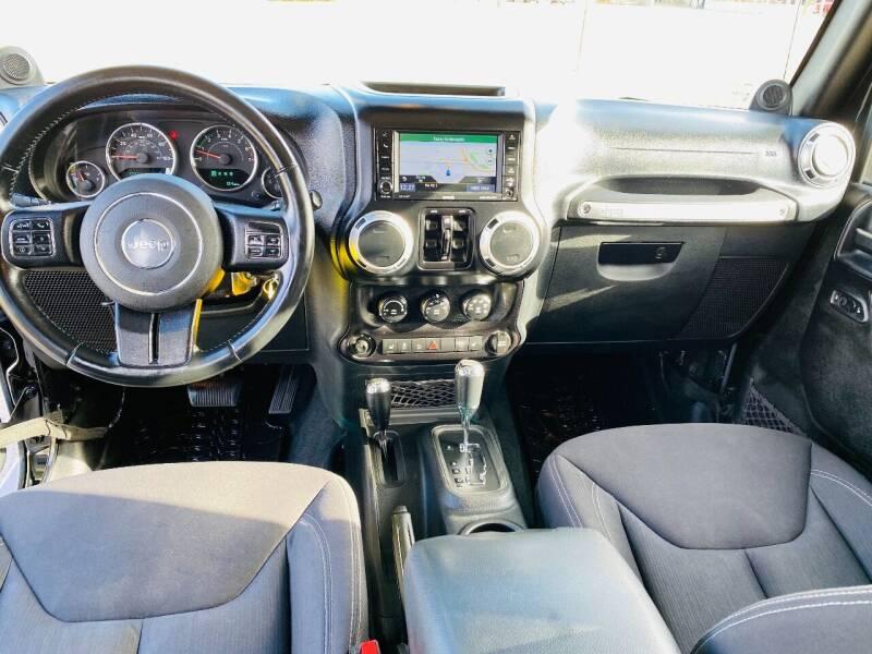 2013 Jeep Wrangler Unlimited 4x4 Sahara 4dr SUV - Saint Francis WI