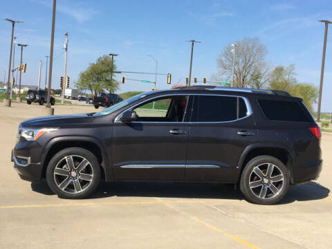 2018 GMC Acadia for sale at LANDMARK OF TAYLORVILLE in Taylorville IL