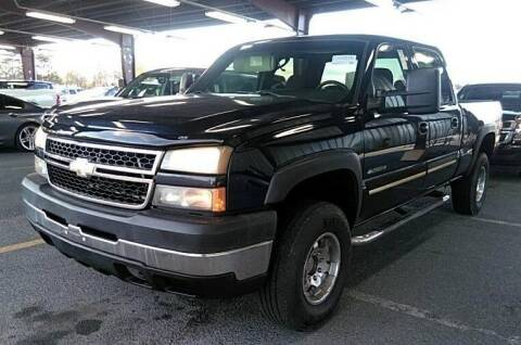 2006 Chevrolet Silverado 2500HD for sale at Angelo's Auto Sales in Lowellville OH