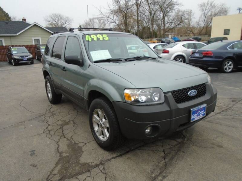2005 Ford Escape for sale at DISCOVER AUTO SALES in Racine WI