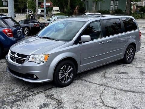 2017 Dodge Grand Caravan for sale at Sunshine Auto Sales in Huntington IN