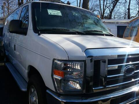 2013 Ford E-Series Cargo for sale at Drive Deleon in Yonkers NY