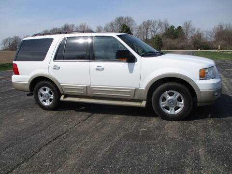 2005 Ford Expedition for sale at Crossroads Used Cars Inc. in Tremont IL