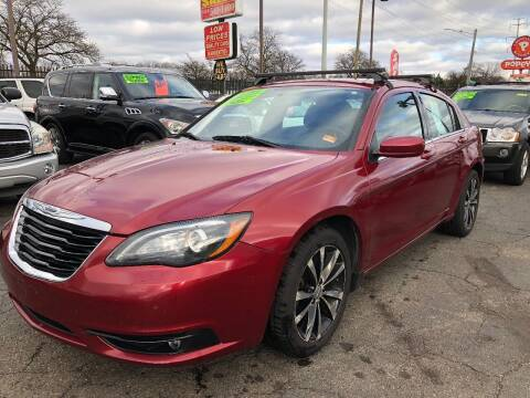 2013 Chrysler 200 for sale at RJ AUTO SALES in Detroit MI