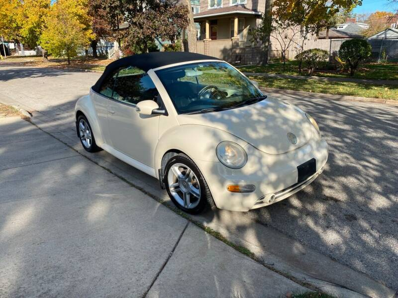 2005 Volkswagen New Beetle Convertible for sale at RIVER AUTO SALES CORP in Maywood IL