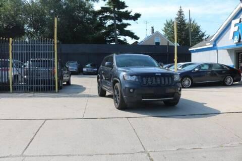 2013 Jeep Grand Cherokee for sale at F & M AUTO SALES in Detroit MI