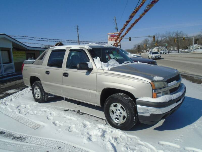 2006 Chevrolet Avalanche for sale at River City Auto Sales in Cottage Hills IL