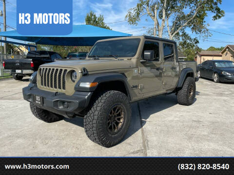 2020 Jeep Gladiator for sale at H3 MOTORS in Dickinson TX
