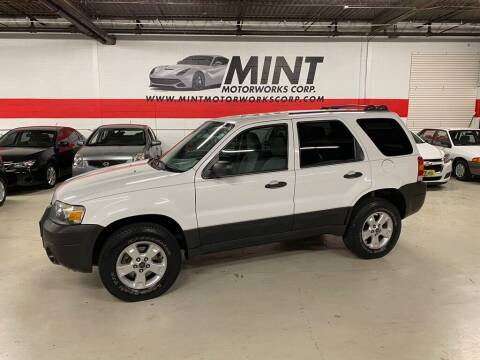 2006 Ford Escape for sale at MINT MOTORWORKS in Addison IL