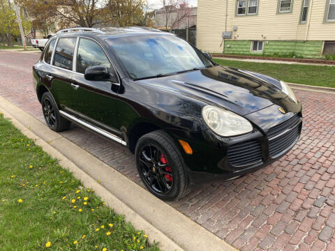 2005 Porsche Cayenne for sale at RIVER AUTO SALES CORP in Maywood IL