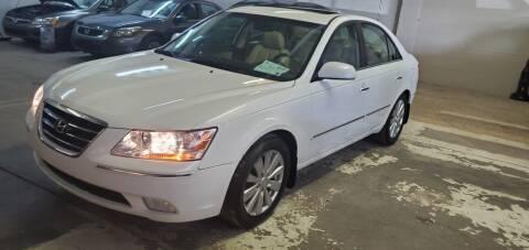 2009 Hyundai Sonata for sale at Klika Auto Direct LLC in Olathe KS