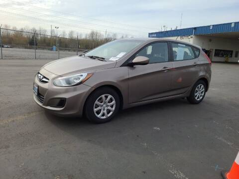 2013 Hyundai Accent for sale at A.I. Monroe Auto Sales in Bountiful UT