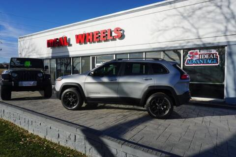 2016 Jeep Cherokee for sale at Ideal Wheels in Sioux City IA