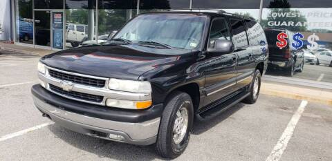2001 Chevrolet Suburban for sale at Carz Unlimited in Richmond VA