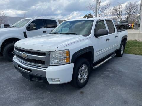 2009 Chevrolet Silverado 1500 for sale at Davco Auto in Fort Wayne IN