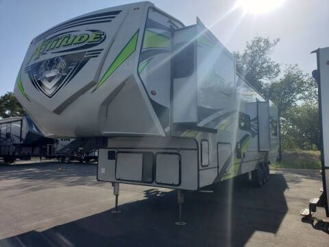 2020 Eclipse Attitude 4028DGF for sale at Ultimate RV in White Settlement TX