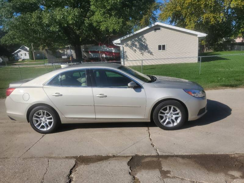 2015 Chevrolet Malibu for sale at RIVERSIDE AUTO SALES in Sioux City IA