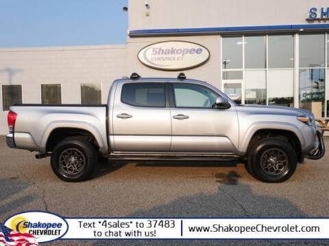 2017 Toyota Tacoma for sale at SHAKOPEE CHEVROLET in Shakopee MN