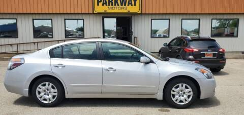2009 Nissan Altima for sale at Parkway Motors in Springfield IL