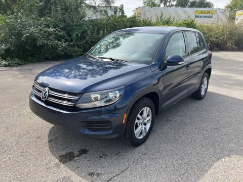 2012 Volkswagen Tiguan for sale at Mr. Auto in Hamilton OH