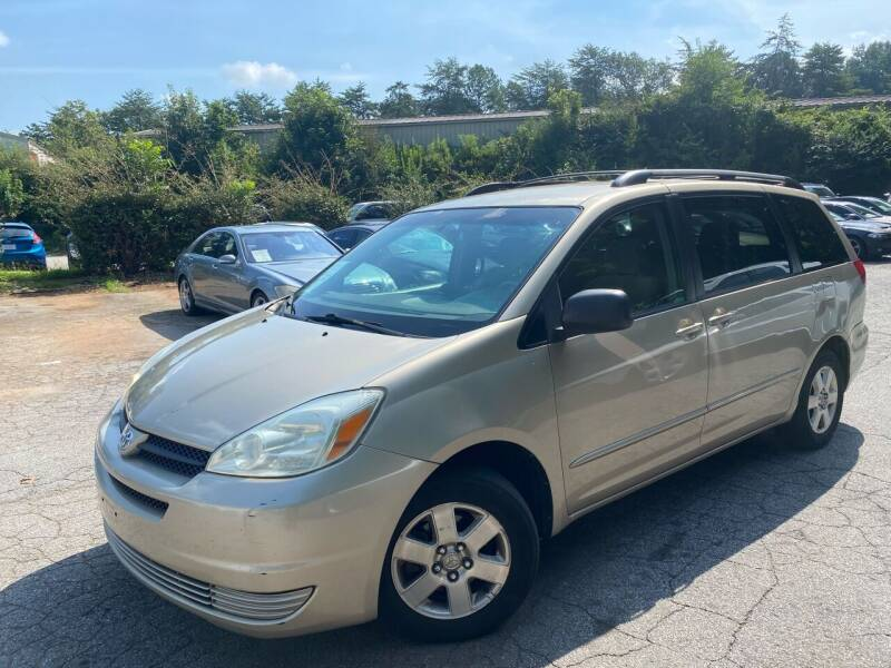 2004 Toyota Sienna for sale at Car Online in Roswell GA