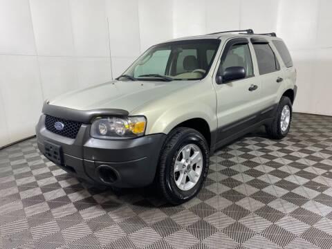 2005 Ford Escape for sale at Elite Pre-Owned Auto in Peabody MA