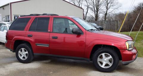 2002 Chevrolet TrailBlazer for sale at PINNACLE ROAD AUTOMOTIVE LLC in Moraine OH