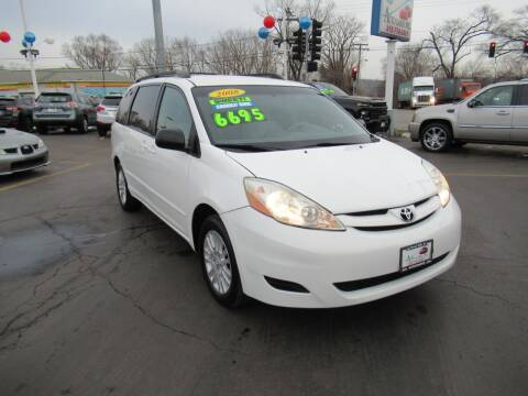 2008 Toyota Sienna for sale at Auto Land Inc in Crest Hill IL