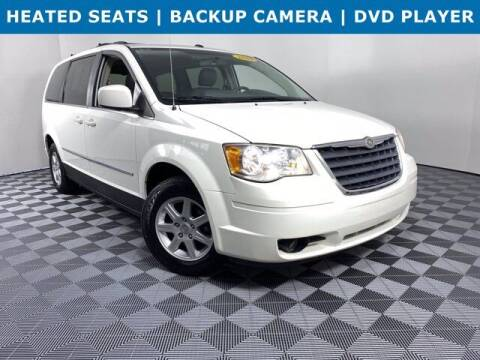 2010 Chrysler Town and Country for sale at GotJobNeedCar.com in Alliance OH