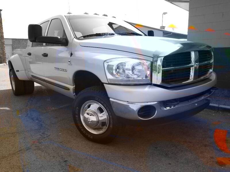 2006 Dodge Ram Pickup 3500 for sale at California Diversified Venture in Livermore CA