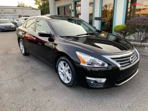 2015 Nissan Altima for sale at Autopike in Levittown PA