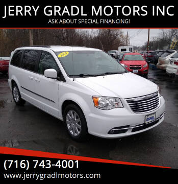 2014 Chrysler Town and Country for sale at JERRY GRADL MOTORS INC in North Tonawanda NY