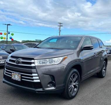 2018 Toyota Highlander for sale at PONO'S USED CARS in Hilo HI