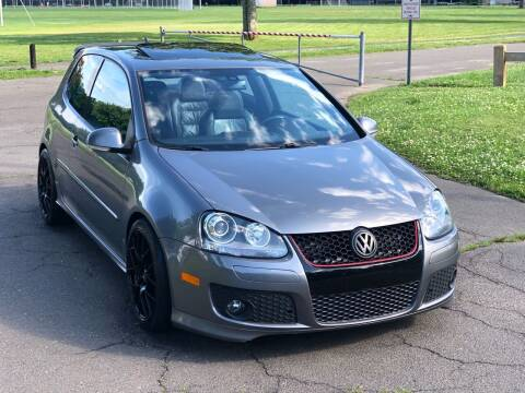 2008 Volkswagen R32 for sale at Choice Motor Car in Plainville CT