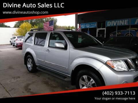 2011 Nissan Pathfinder for sale at Divine Auto Sales LLC in Omaha NE