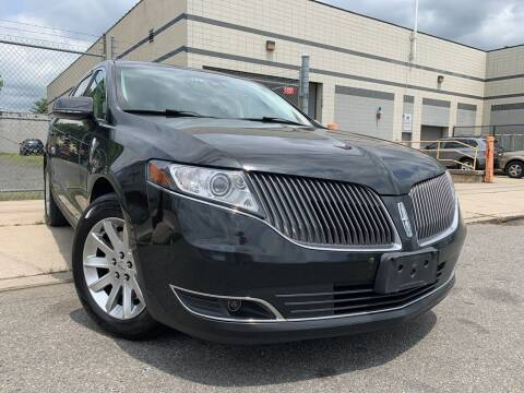 2015 Lincoln MKT for sale at Illinois Auto Sales in Paterson NJ