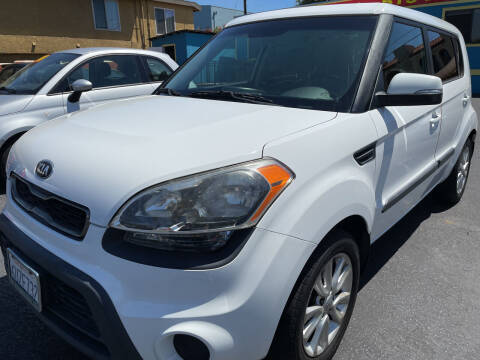 2013 Kia Soul for sale at CARZ in San Diego CA