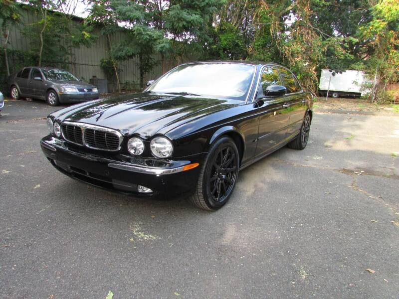 2004 Jaguar XJ-Series for sale at Nutmeg Auto Wholesalers Inc in East Hartford CT