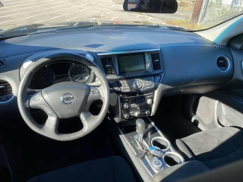 2013 Nissan Pathfinder 4x4 Platinum 4dr SUV - Warwick RI