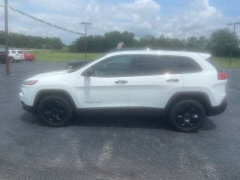 2016 Jeep Cherokee for sale at EAGLE ONE AUTO SALES in Leesburg OH