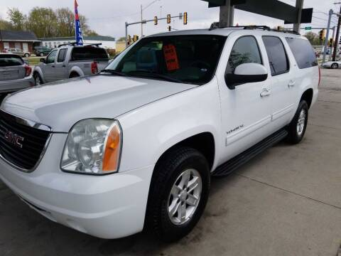 2010 GMC Yukon XL for sale at Springfield Select Autos in Springfield IL