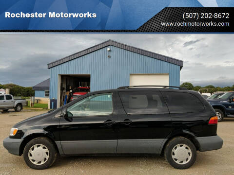 2000 Toyota Sienna for sale at Rochester Motorworks in Rochester MN