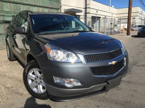 2012 Chevrolet Traverse for sale at Illinois Auto Sales in Paterson NJ