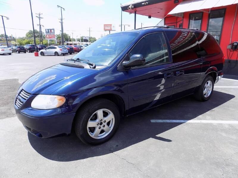 2005 Dodge Grand Caravan for sale at Kelley Autoplex in San Antonio TX